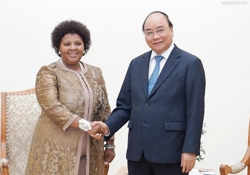 Thủ tướng tiếp Bộ trưởng Quốc phòng và Cựu Chiến binh Nam Phi
