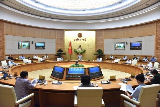 Thủ tướng Nguyễn Xuân Phúc: Bảo vệ sức khỏe nhân dân nhưng không để đổ gãy kinh tế