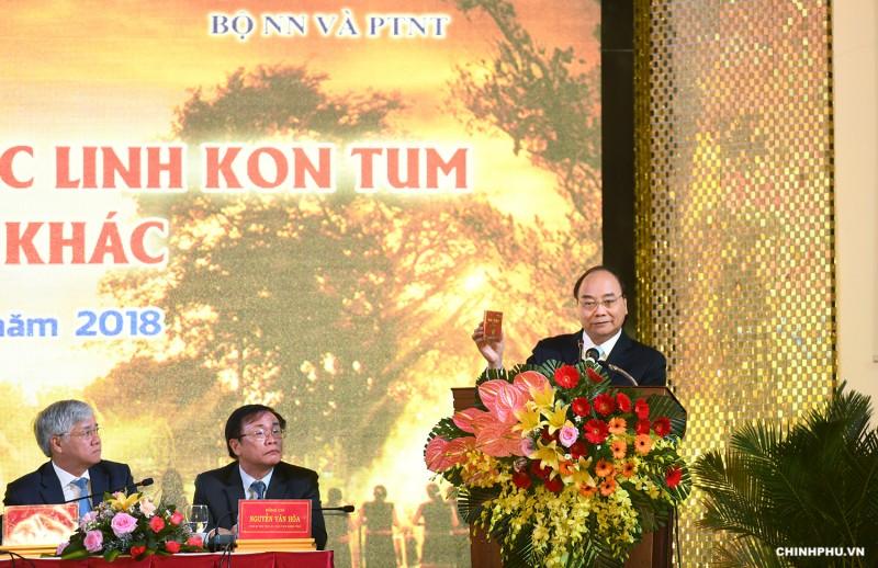 """Thủ tướng Nguyễn Xuân Phúc: Đưa """"quốc bảo"""" sâm Ngọc Linh thành """"quốc kế dân sinh"""""""