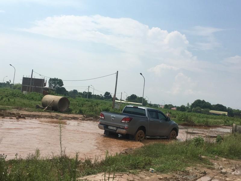 Tuyến đường xuống cấp ảnh hưởng dân sinh