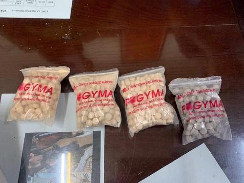 Bắt giữ 2 đối tượng mang hàng trăm viên ma túy tổng hợp