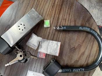 Phát hiện đối tượng giấu ma túy trong khóa xe