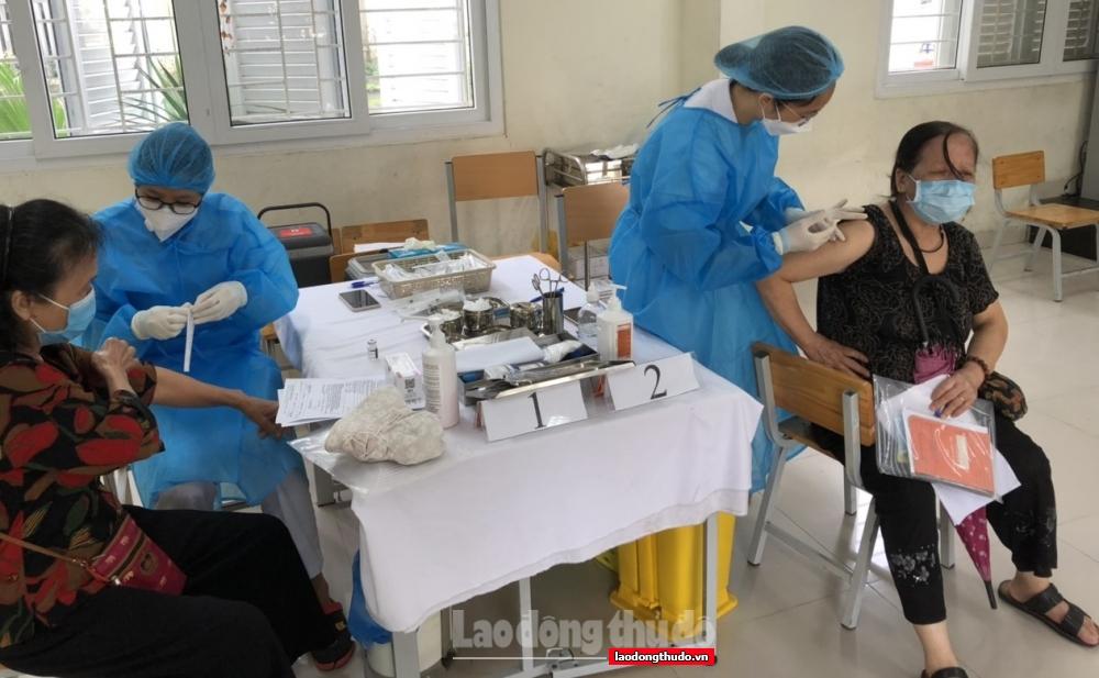 Phường Trung Tự đảm bảo tuyệt đối an toàn tại điểm tiêm vắc xin