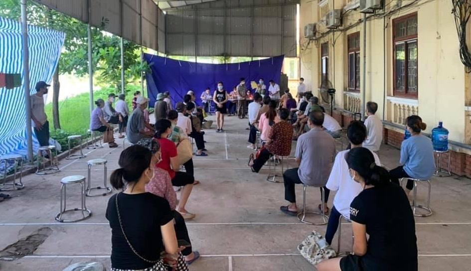 Huyện Phú Xuyên phấn đấu đến 15/9, 100% người trên 18 tuổi được tiêm vắc xin