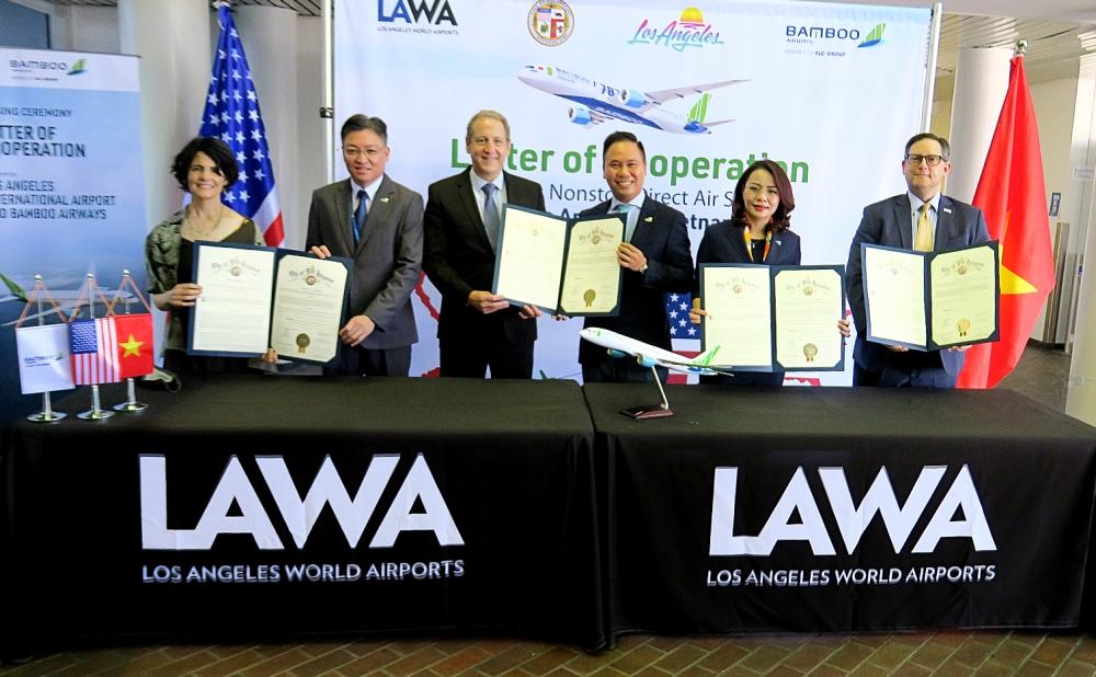 Bamboo Airways ký hợp tác 4 bên với Los Angeles xúc tiến đường bay thẳng Việt - Mỹ