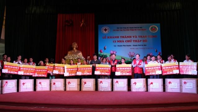 Khánh thành 13 nhà chữ thập đỏ tại huyện Phú Xuyên
