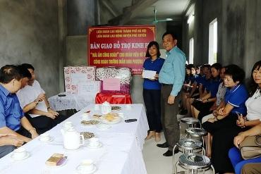 """LĐLĐ huyện Phú Xuyên bàn giao """"mái ấm công đoàn"""""""
