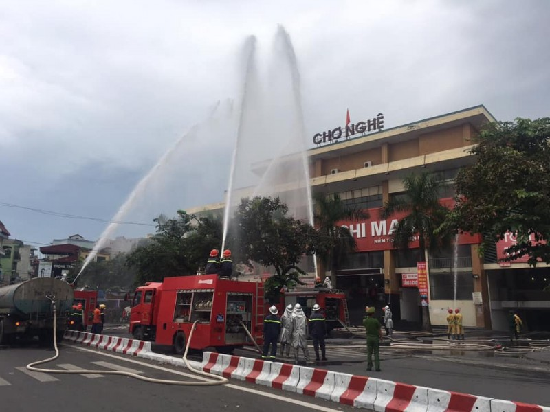 Diễn tập phòng cháy chữa cháy tại chợ Nghệ