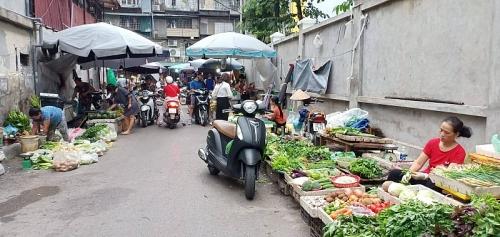 Kiên quyết xử lý các trường hợp tái lấn chiếm họp chợ cóc