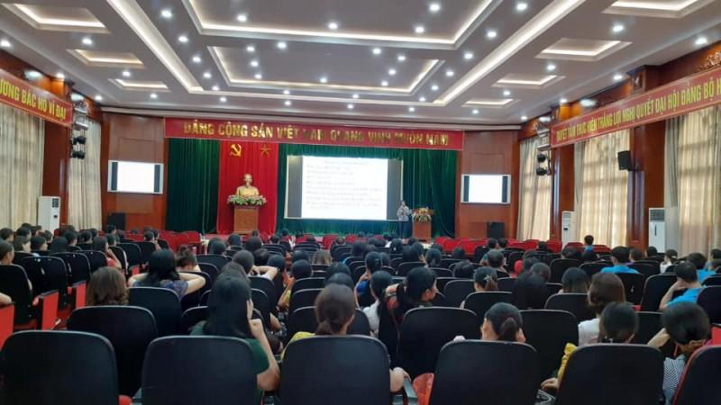 Chính quyền phường Phương Mai lắng nghe ý kiến của nhân dân