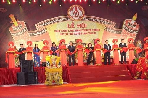 Sẵn sàng cho Lễ hội vinh danh làng nghề truyền thống may comple xã Vân Từ