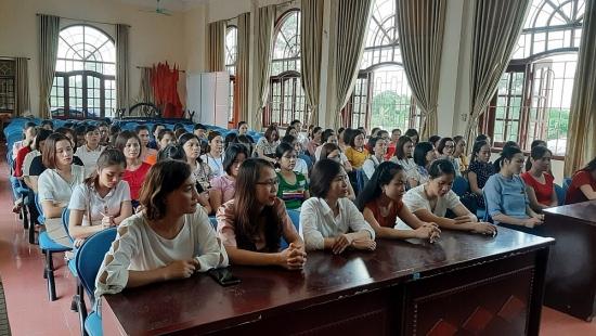 Công đoàn trường Mầm non thị trấn Phú Xuyên tổ chức Hội nghị cán bộ công chức viên chức