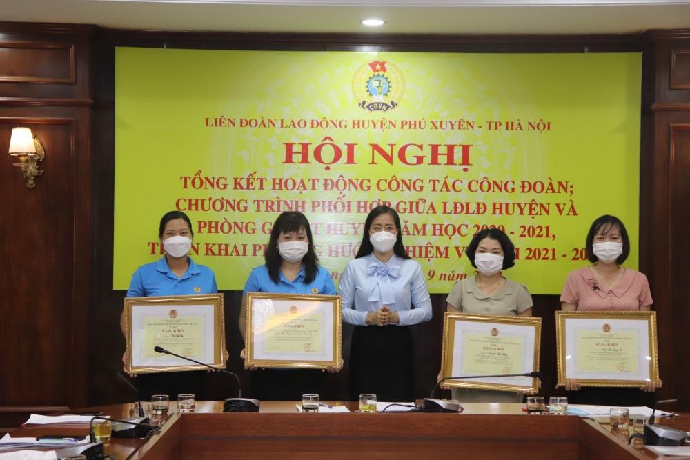 Công đoàn ngành Giáo dục huyện Phú Xuyên quan tâm đổi mới công tác thi đua
