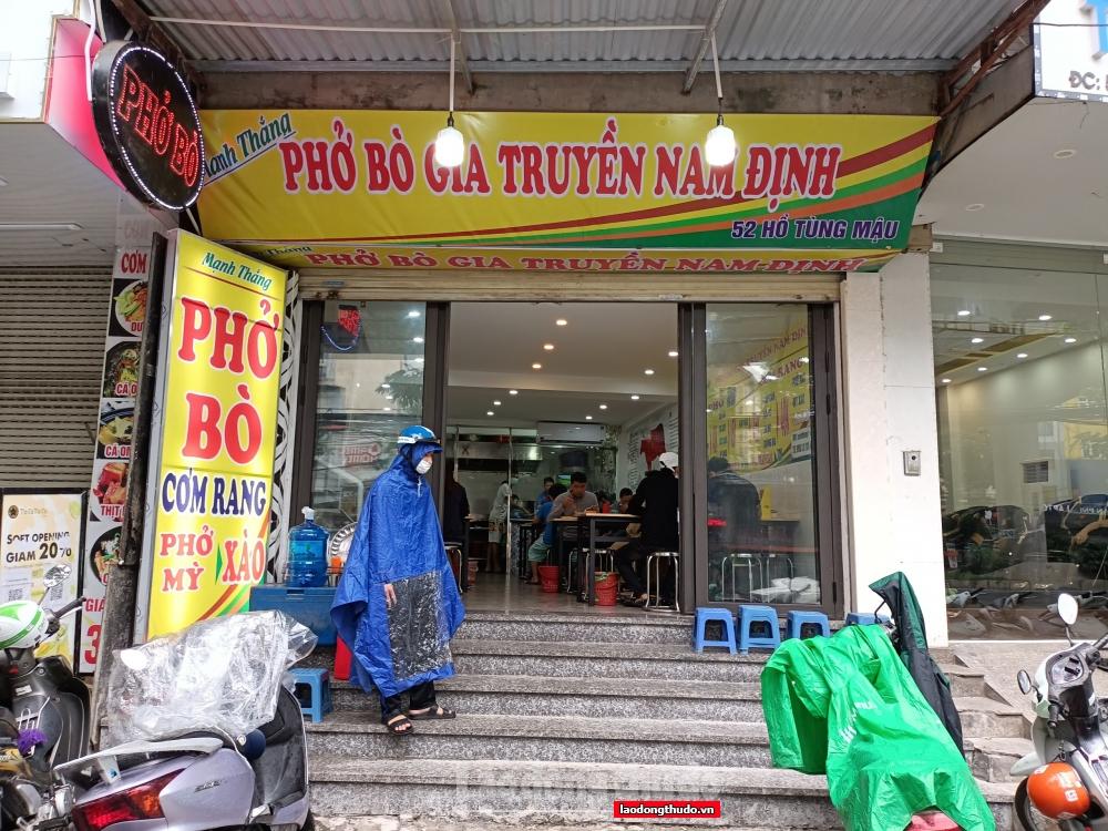 Người Hà Nội vui mừng được đi ăn ở quán, nhưng luôn nâng cao ý thức phòng dịch