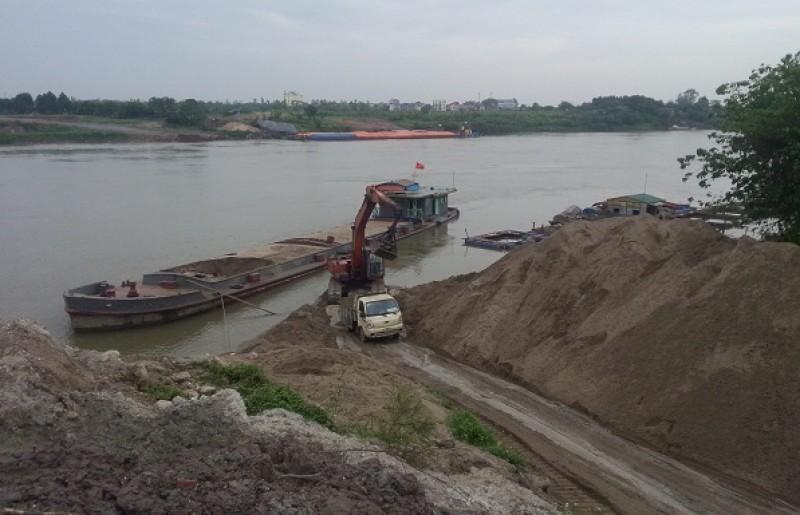 Tăng cường kiểm tra, xử lý khai thác cát, sỏi trái phép