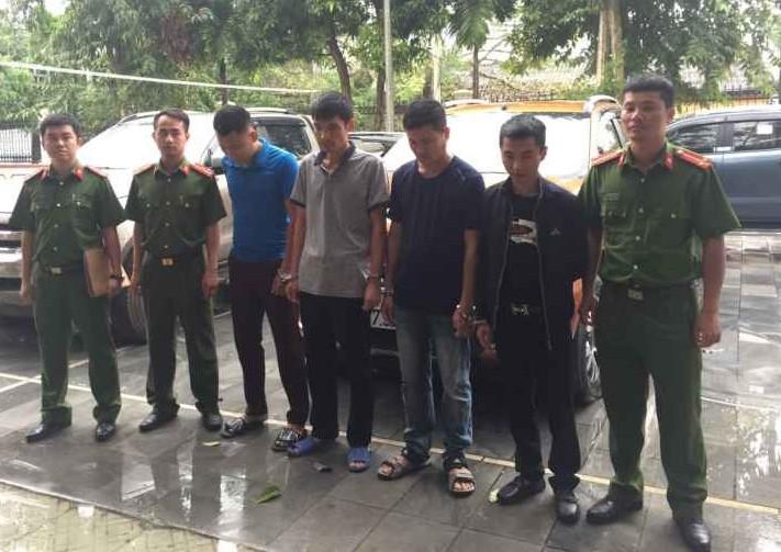 Một giáo viên bị bắt trong nhóm cho vay nặng lãi