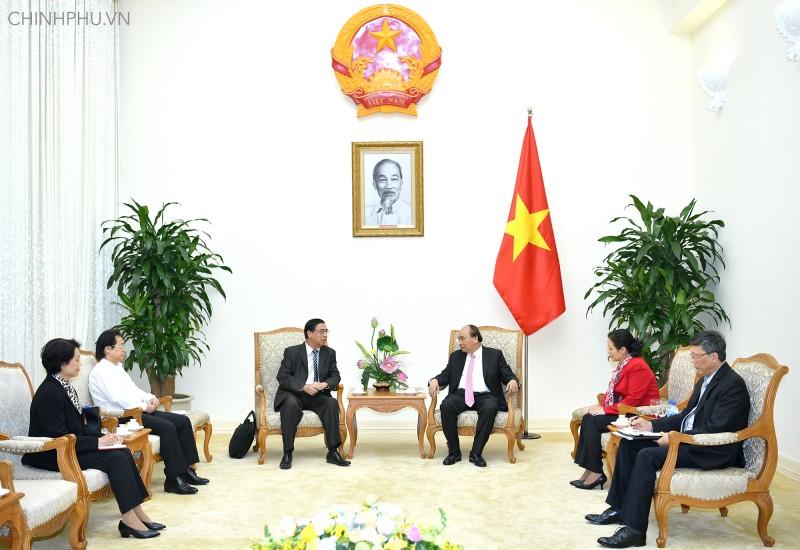 Mong bà con Việt kiều tích cực đóng góp xây dựng quê hương
