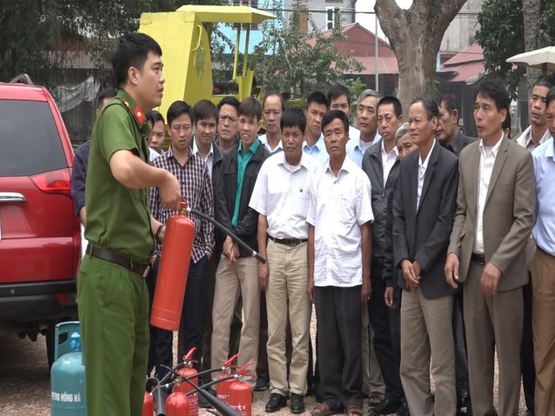 Tập huấn phòng cháy chữa cháy trong cộng đồng dân cư