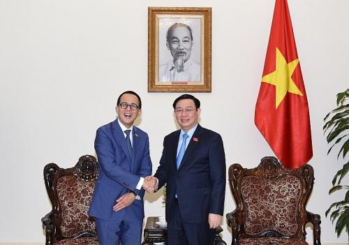 Phó Thủ tướng Vương Đình Huệ tiếp các vị khách quốc tế