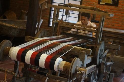 Phùng Xá: Gìn giữ thương hiệu làng nghề dệt