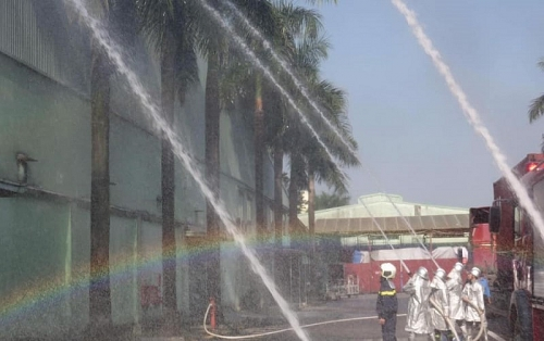 Diễn tập phòng cháy chữa cháy tại Công ty Cổ phần dệt 10/10