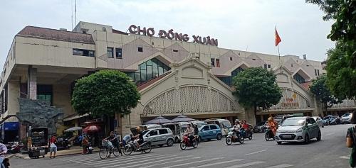 Ngôi chợ cổ xưa nổi tiếng của Hà Nội