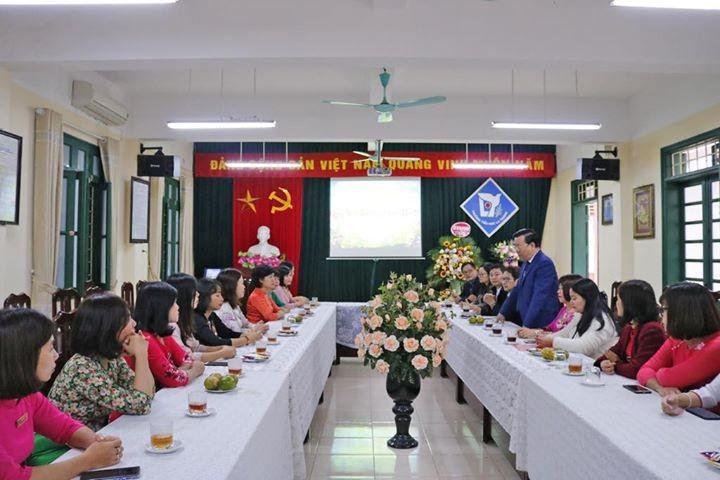 Lãnh đạo quận Đống Đa thăm trường Tiểu học La Thành