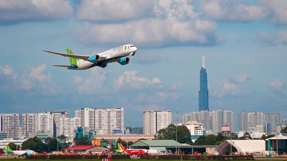 Hàng không triển khai thẻ bay không giới hạn dịp Tết, trả góp 0%