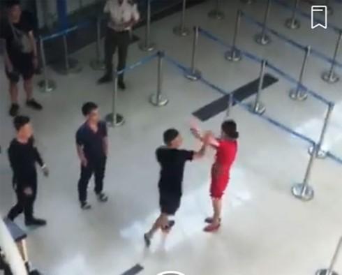 Xử lý nghiêm hành vi đe dọa, lăng mạ nhân viên hàng không