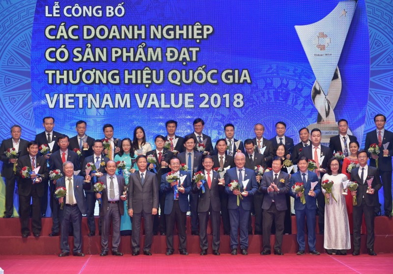 Thủ tướng Nguyễn Xuân Phúc: Tôn vinh thương hiệu quốc gia là tôn vinh đất nước