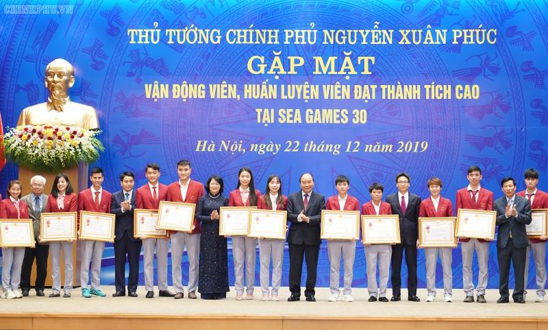 Thủ tướng gặp mặt đoàn thể thao Việt Nam dự SEA Games 30