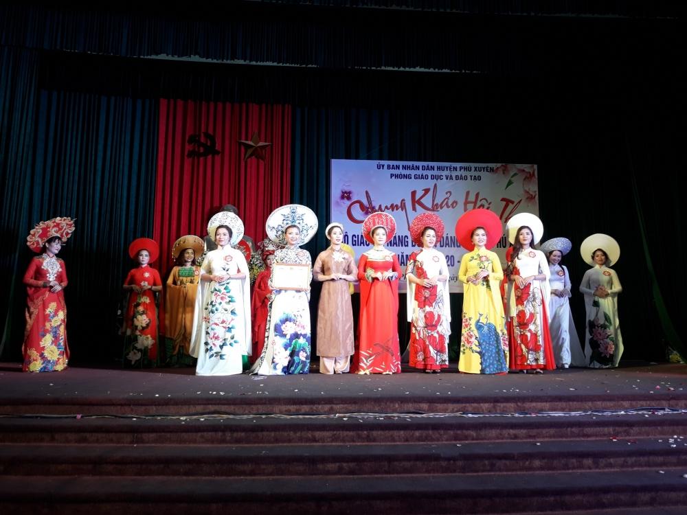"""Hội thi """"Cô giáo tài năng duyên dáng"""" huyện Phú Xuyên năm học 2020 – 2021"""