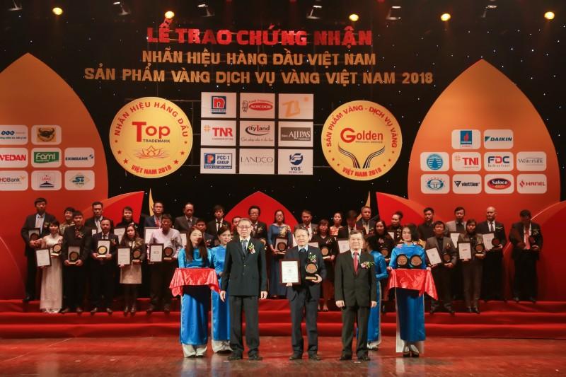 """Văn Phú – Invest lọt Top 50 """"Nhãn hiệu hàng đầu Việt Nam"""""""