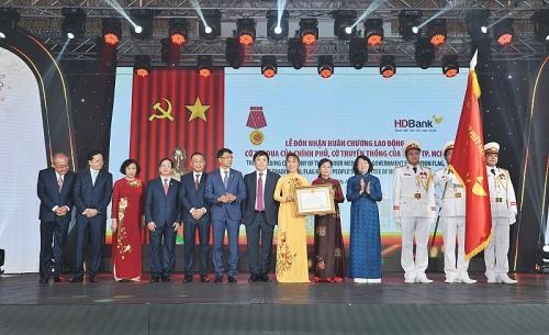 HDBank đón nhận Huân chương Lao động nhân kỷ niệm 30 năm thành lập
