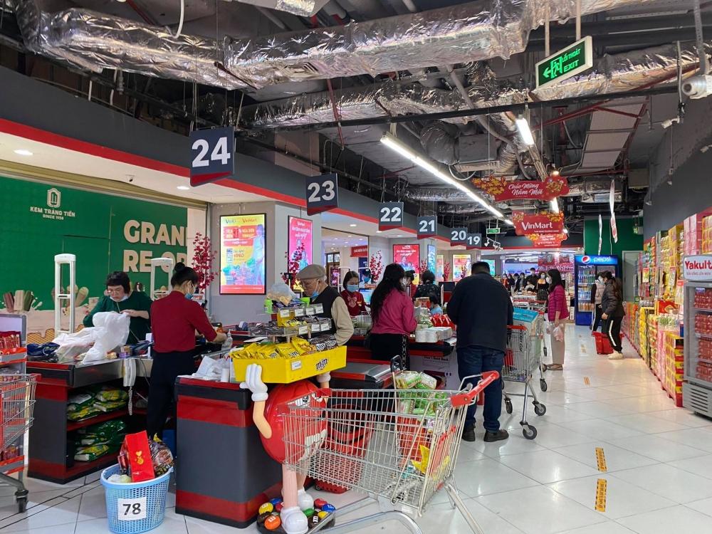 Hà Nội: Chợ, siêu thị hàng hóa dồi dào, người dân nhộn nhịp sắm Tết