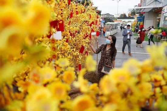 Check-in tại đường hoa Amazing Tết