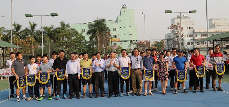 Quận Bắc Từ Liêm: Hơn 100 VĐV tham gia giải Quần vợt CNVCLĐ năm 2017