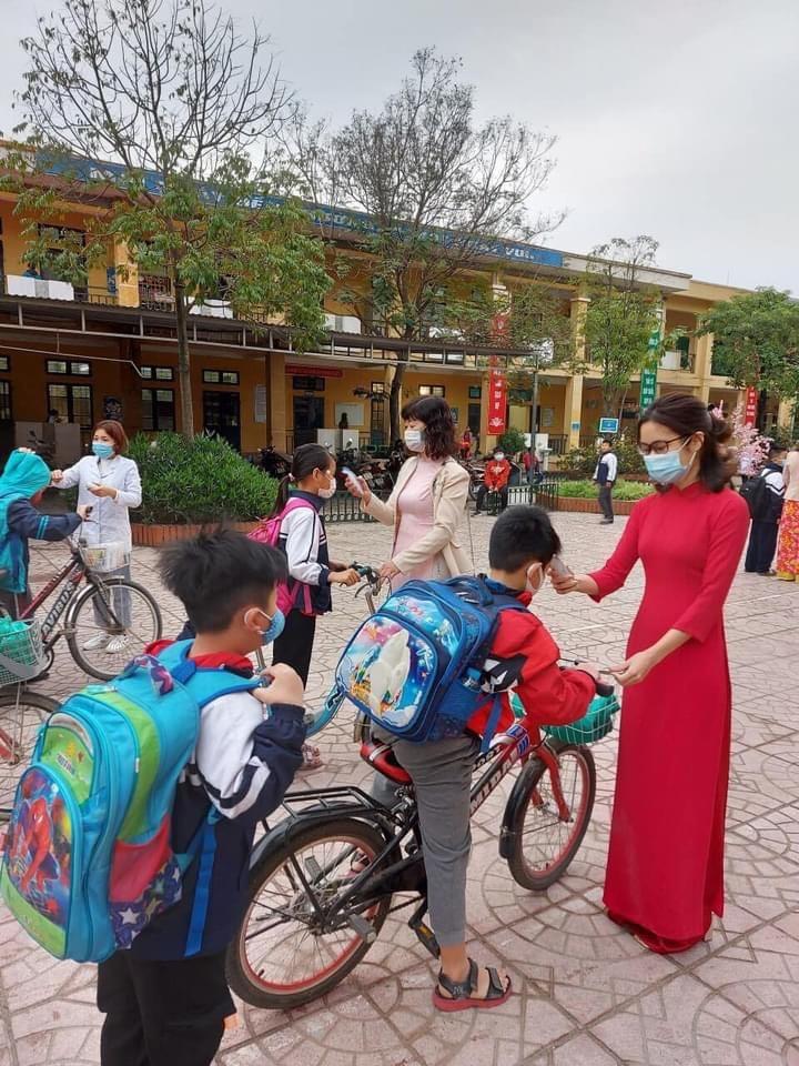 Đoàn viên công đoàn huyện Hoài Đức tích cực hưởng ứng Tuần lễ áo dài