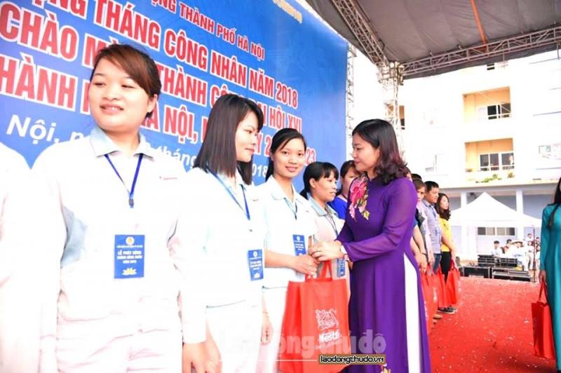 truc tiep le phat dong thang cong nhan nam 2018