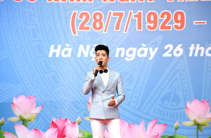 toan canh le phat dong thang cong nhan nam 2019