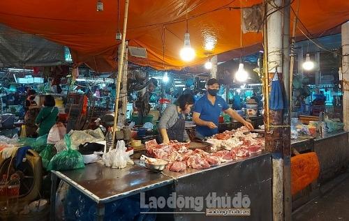 Kiểm tra, đảm bảo bán đúng giá thịt lợn ở các chợ truyền thống