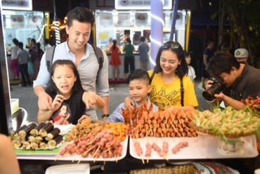 Không gian ẩm thực Ngũ hành Đà Nẵng hút khách