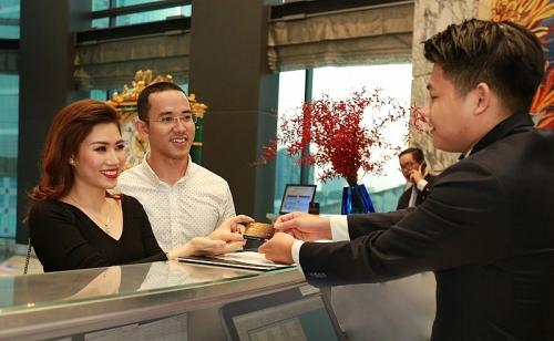 Ngân hàng tăng phát hành thẻ, thêm tiện ích cho người người dùng