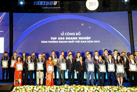 TNS Holdings lọt Top 100 doanh nghiệp tăng trưởng nhanh nhất Việt Nam năm 2021