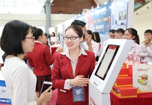 HDBank kiến tạo tương lai thanh toán không tiền mặt và kiểm soát tài chính cho người trẻ