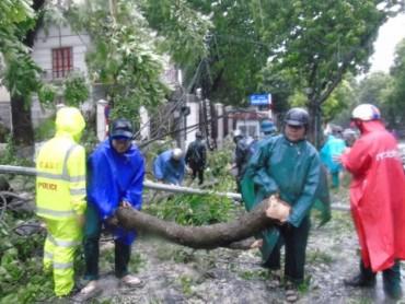 Quận Nam Từ Liêm chủ động khắc phục thiệt hại bão số 01