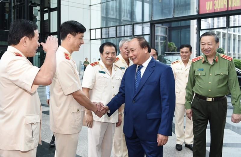 Thủ tướng: Lực lượng CSND phải luôn thể hiện rõ bản lĩnh chính trị vững vàng