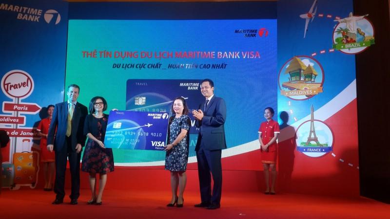 Ra mắt thẻ tín dụng du lịch được hoàn tiền đầu tiên