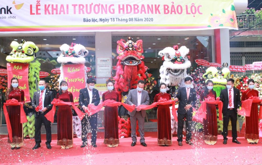 HDBank đưa vào hoạt động 4 điểm giao dịch mới trên khắp cả nước