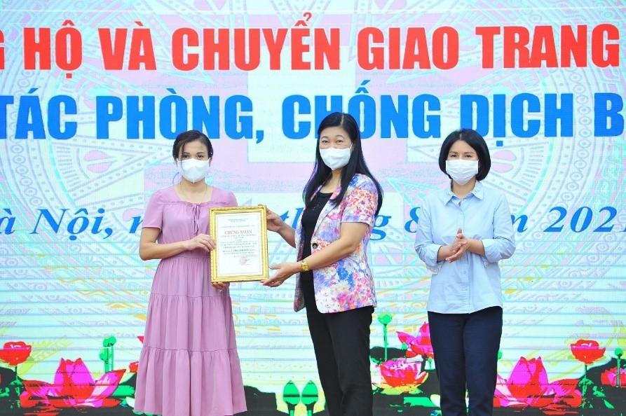 TNG Holdings Vietnam trao tặng Hà Nội máy xét nghiệm PCR